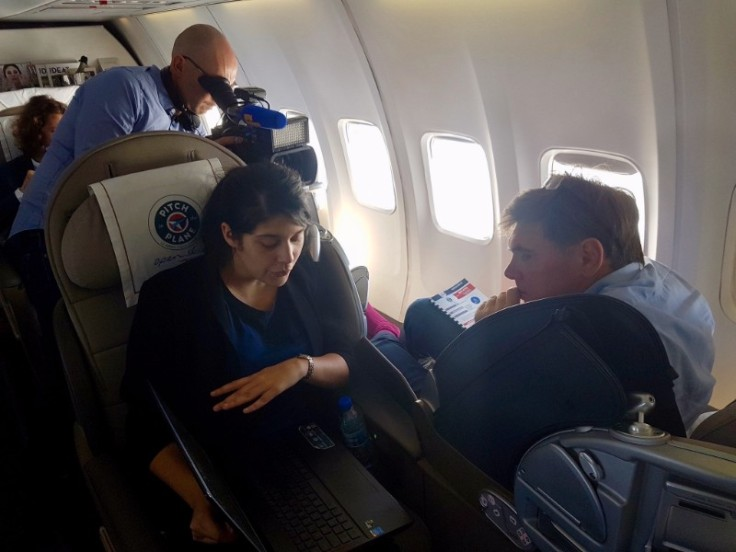 Damae Medical pitching on the plane to Paul-François Fournier, Innovation Executive Director at Bpifrance, in June 2016.